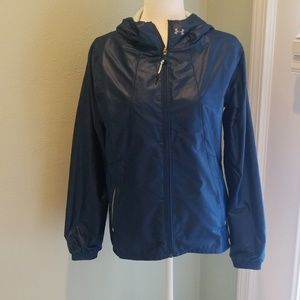 NWOT! Womens size med Under Armour rain jacket.